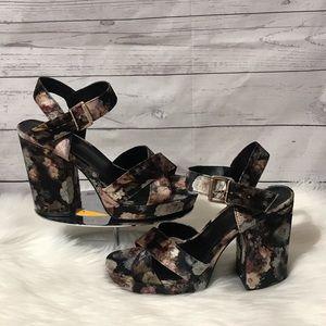 NWOT Parker and sky platform heels size 10